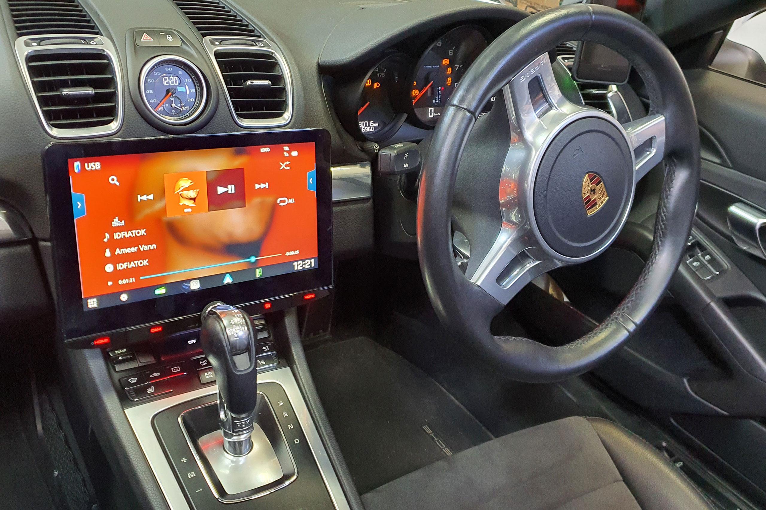 Porsche Boxter – Kenwood 10.1″ Unit